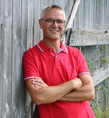 Simon, Guide und Trainer
